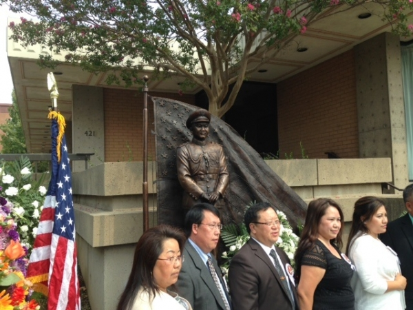 New Hmong statue dedicated in Chico after earlier vandalism