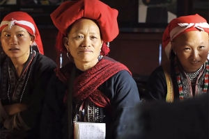 Sapa is surrounded by villages, dominated by ethnic minorities such as Black Hmong and Red Dao. While they reside within