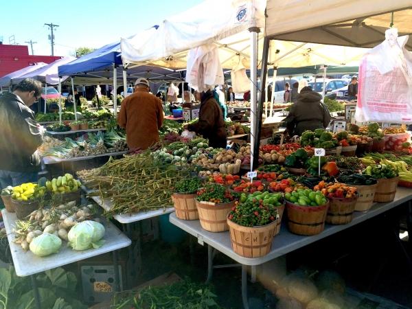 Sun Foods Hmong Market – University Avenue's Crown Jewel